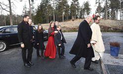 25 декабря 2016 года члены королевской семьи Норвегии и рождественское богослужение