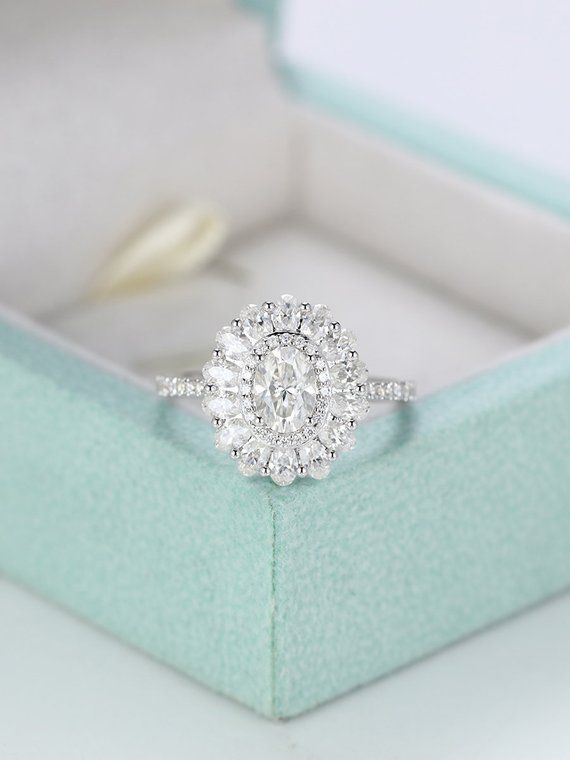 Moissanite engagement ring,Vintage Halo Oval cut ring,ring in White gold,Wedding ring Women,Unique set,Promise Valentine's gift for her