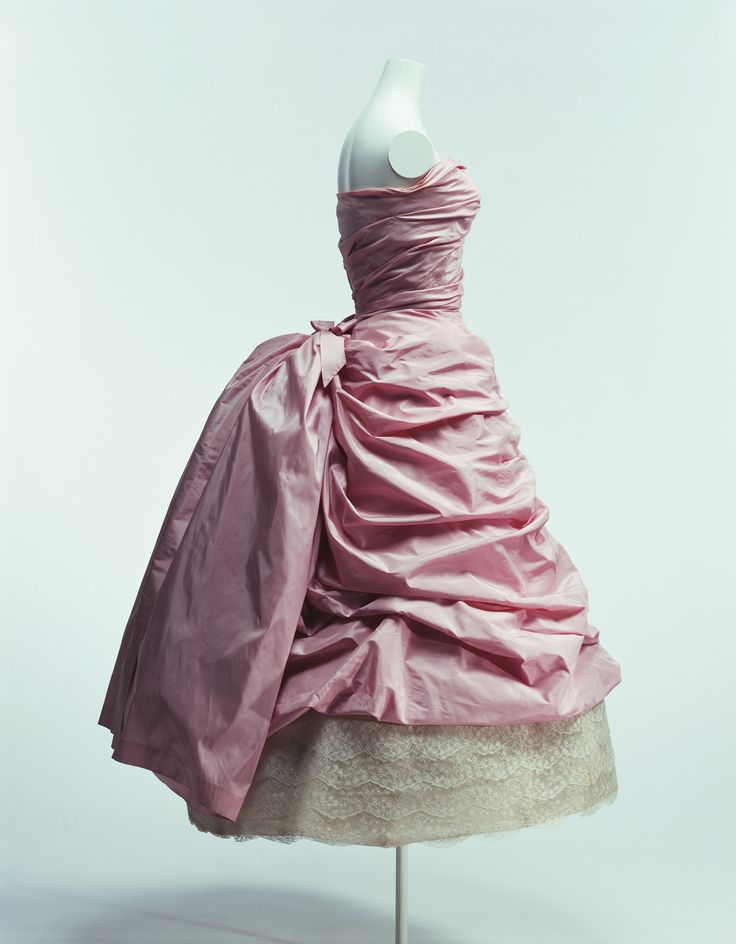 Cocktail dress by Cristobal Balenciaga, 1955. From The Kyoto Costume Institute collections.