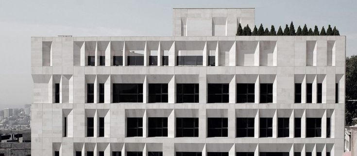 Sipan Residential Building  / RYRA Studio