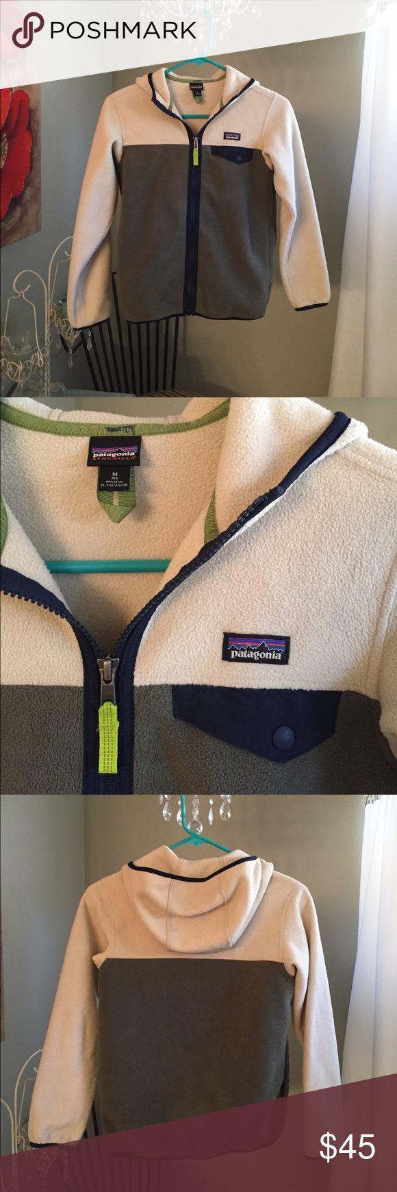 Patagonia zip up😌 In good condition zip up hoodie for boys 😀 has name on inside(very small/not noticeable) Patagonia Jackets & Coats