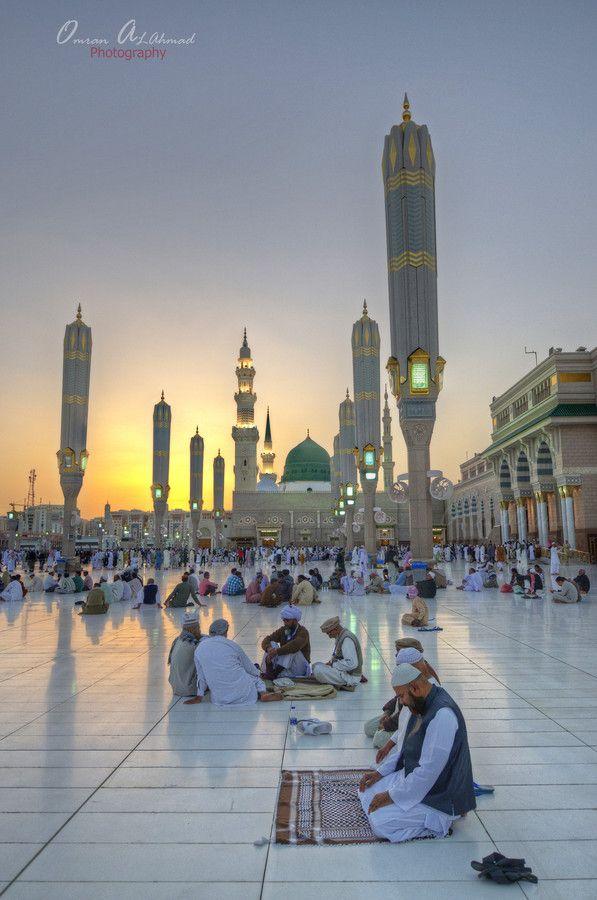 Praying, Al-Masjid al-Nabawi by Omran Alahmad on 500px