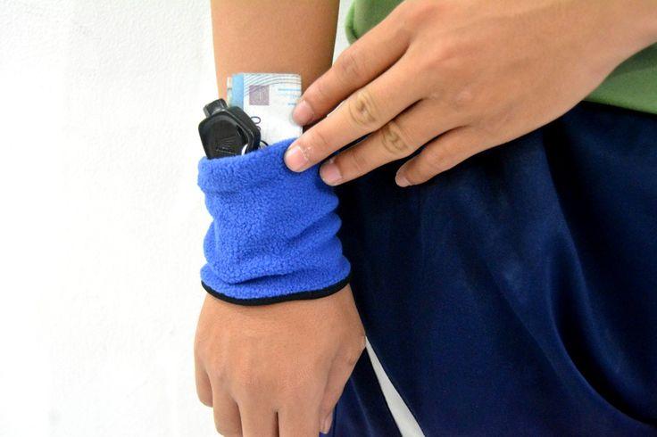 Wrist Wallet Blue Rp 35.000