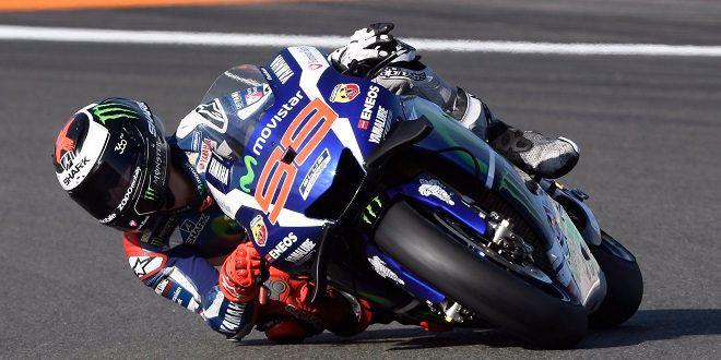 Espectacular victoria de Lorenzo en el GP de Valencia en su última carrera con Yamaha - http://aquiactualidad.com/espectacular-victoria-lorenzo-gp-valencia-ultima-carrera-yamaha/