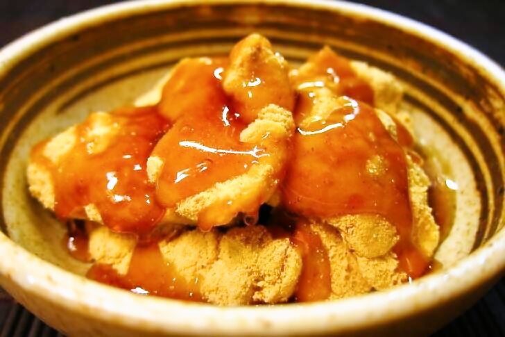 はじめに どこの家庭にもある、お豆腐。 今回はお豆腐を使った、豆腐わらび餅の作り方をご紹介致します。
