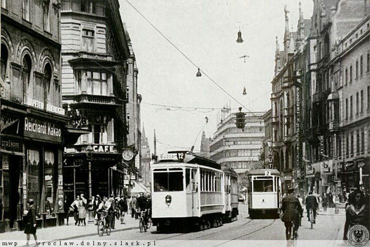 Ulica Świdnicka przed wojną w widoku od ul. Piłsudskiego. Lata 1930-1944. Tramwaj LH Standard