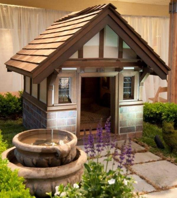 Luxury Doghouse - Harvard Hound Manor