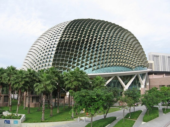 The Esplanade, Singapore visit us @ http://travel-buff.com/