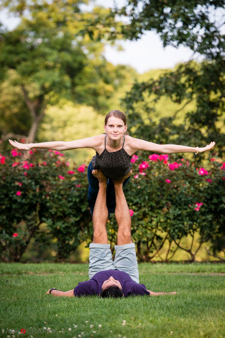 Couples yoga poses to spice up the session and Anna & Andres nailed it - what an amazing shot!