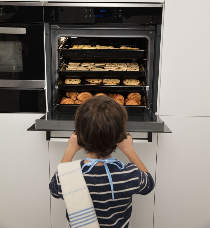 Imagine how many cookies you can bake for your kid's birthday party. 🍪🍪🍪🍪🍪🍪🍪🍪 With thanks to the 94Ltr large capacity of a Beko oven - it's a whole lot!