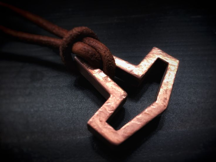 Distressed copper limited edition, flat copper Hollow Hammer on a leather cord. Finished and out the door.   #americanheathen #americanviking #heathen #asatru #thorshammer #mjölner #mjolnir #mjollnir #hollowhammer #copperhammer #copperhollowhammer #flathollowhammer