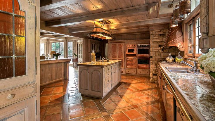 Hot Property | Amber Hills