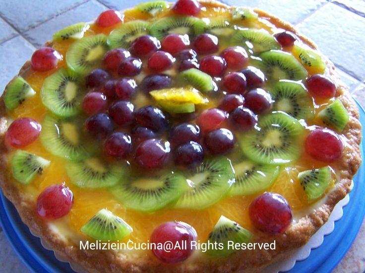 Deliziosa e fresca, Crostata di frutta con base di crema, un connubio di sapori che vi conquisteranno, ricetta facile, ottima per i vostri bambini