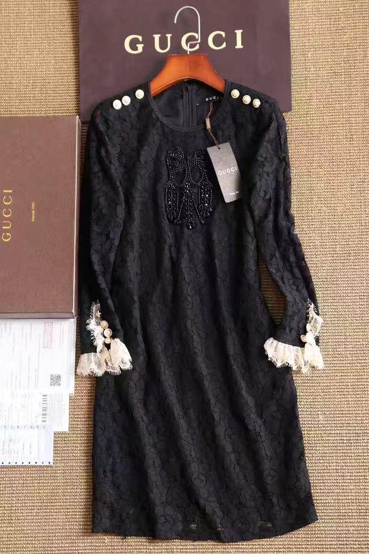 Гипюровое платье Gucci с манжетами!