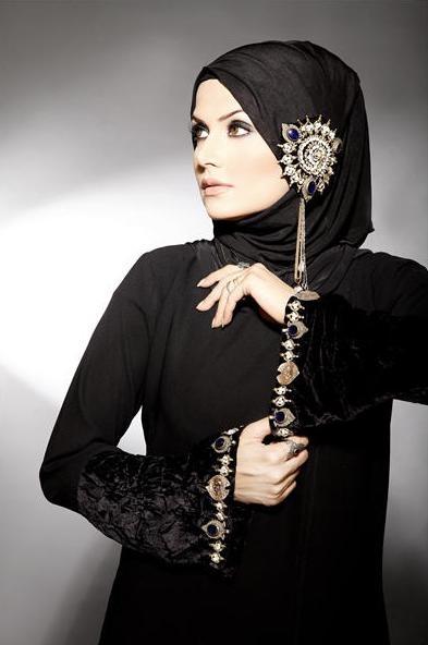 Latest Fashion Abayas 2012 by Meemseen k