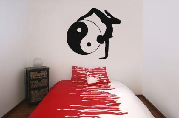 Трафареты в спальне http://styldoma.ru/galereya/krasivy-e-trafarety-dlya-dekora#more