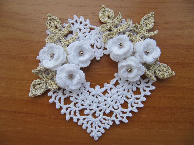 Irish Crochet Heart Ornament by Annie Potter by Nik_OC, via Flickr