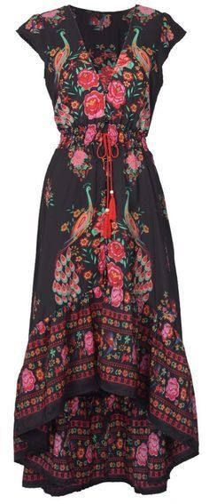 What a beautiful print. This high low maxi dress is the cutest