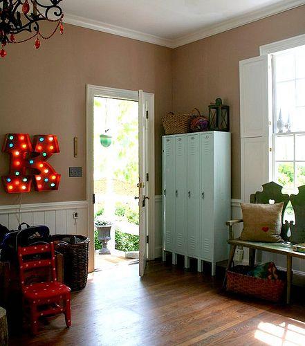 armadietti spogliatoio riutilizzati in casa