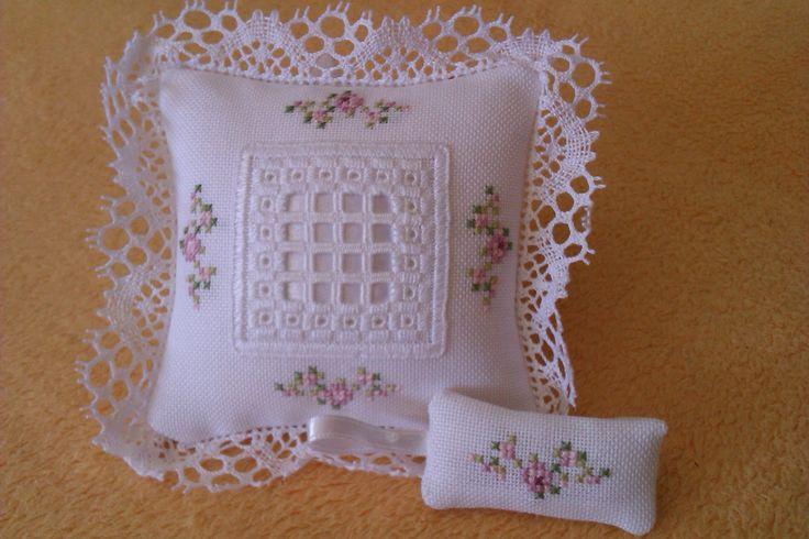 beautiful hardanger pillow