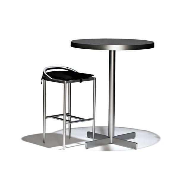 Atlas outdoor - Barstol i fast höjd, helt i rostfritt aluminium, lämpad för utomhusbruk. Löstagbar, stoppad svart dyna medföljer.