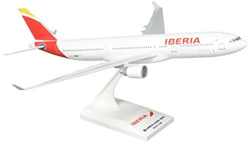 Daron SkyMarks SKR836 Iberia Airlines Spain Airbus A330-300 1:200 Scale REG#F-WWKA