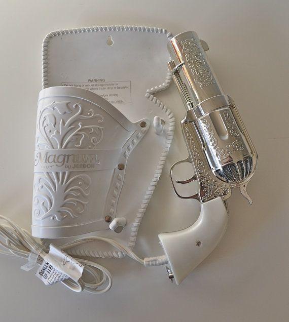 Secador de cabelo em forma de arma