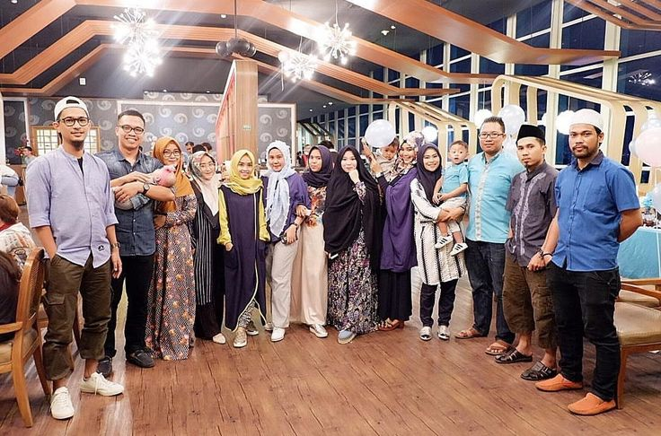A grup of happiness while breakfasting time with us! Have you secure your date ? Book now 📞 3620800  #on20makassar | on20makassar.com