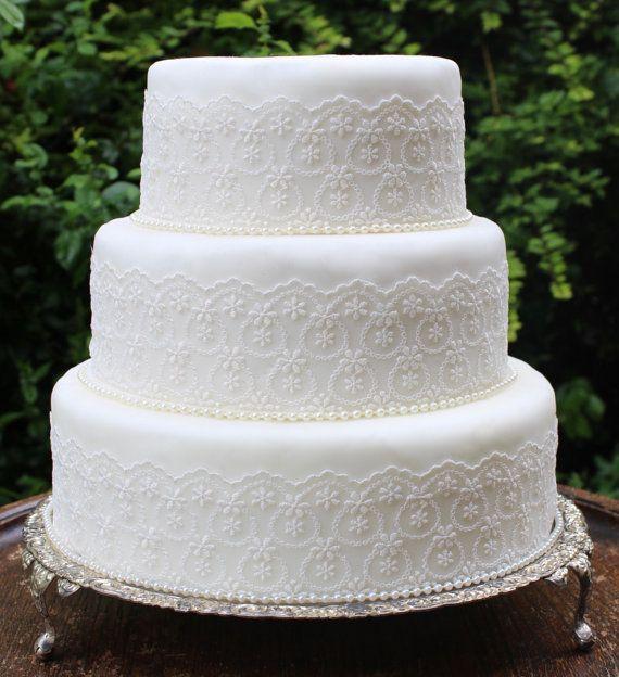 Best Ivory Wedding Cake Ideas On Pinterest Elegant Wedding