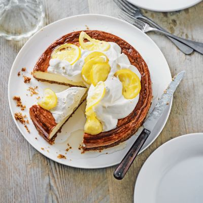 Baked mascarpone & lemon drizzle cheesecake