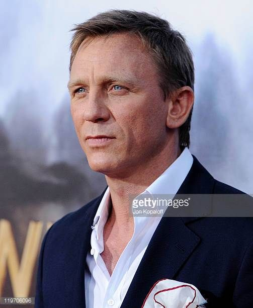 Actor Daniel Craig arrives at the World Premiere 'Cowboys Aliens' at San Diego Civic Theatre on July 23 2011 in San Diego California