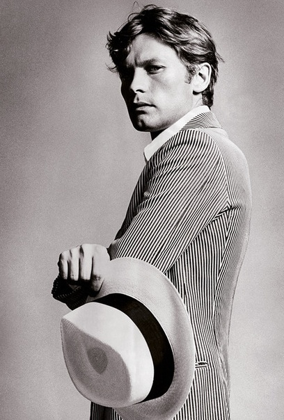 Helmut Berger - first man on the cover of VOGUE