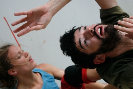 """Yasmeen Godder mit """"Storm End Come"""" zu Gast im HAU Berlin"""