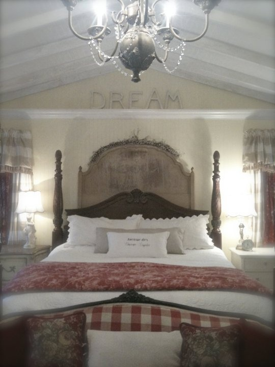 Love This French Country Bedroom