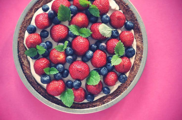 Easy peasy pie with fresh berries