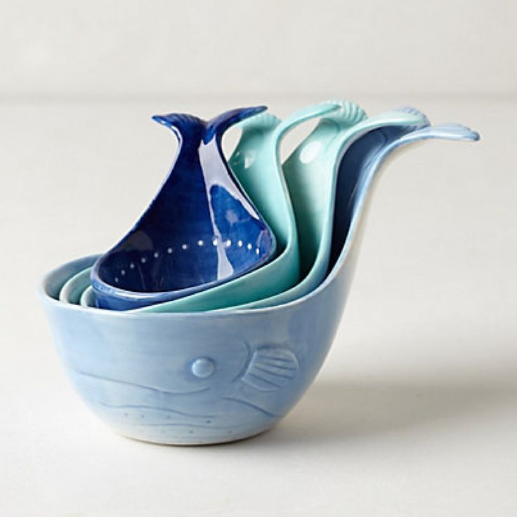 Gifts for a Hostess: Whale-Tail Measuring Cups