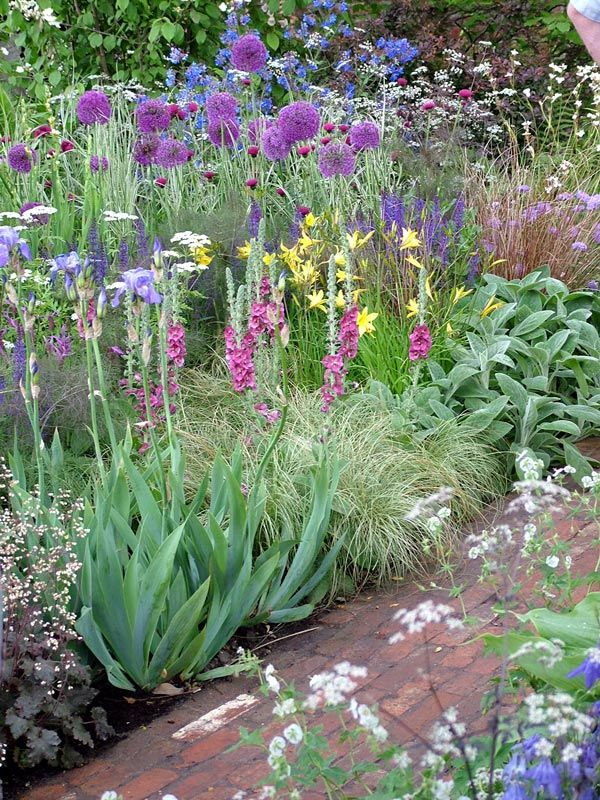 Country garden border