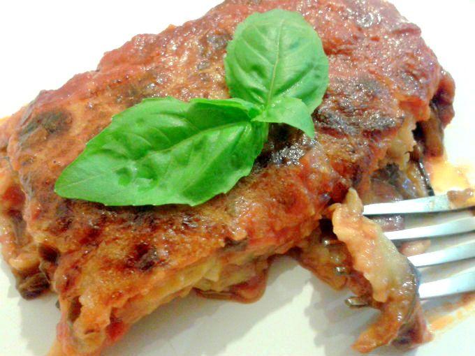 Parmigiana di Melanzane (Aubergine Parmigiana) - One Fool Pie