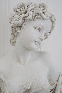 Vacker skulptur... http://www.vitvitarevitast.se/