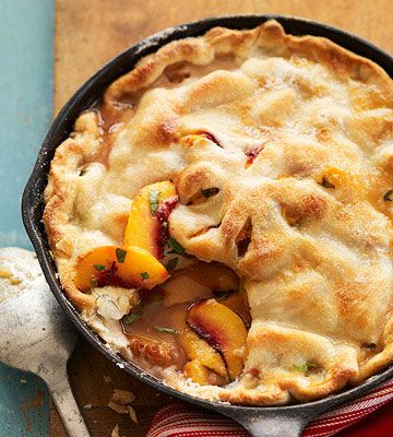 Grilled Skillet Peach Pie- I'm crazy over Georgia peaches in the summer. This looks absoulutely amazing.: Desserts, Skillet Peach, Grilled Peach, Food, Peach Pies, Grilled Skillet, Peaches, Fresh Fruit