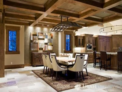 Desain interior rumah dengna gaya etnik merupakan sebuah kesan tradisional yang akan dapat Anda gunakan di ruang tamu rumah Anda. Namun Anda jangan terlalu khawatir jika itu akan terlihat seperti kuno, tidak menarik, dan juga sebagainya. Dengan pengaturan yang tepat maka ruang tamu Anda tersebut akan terlihat indah dan cantik dan juga menarik bagi siapa saja yang telah melihatnya.