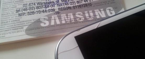 Zepsuł mi się Samsung Galaxy S III. Padł podczas aktualizacji oprogramowania, nie działa, cegła. Wysłałem do naszego blogera Mateusza Nowaka, który ma wieloletnie doświadczenie w serwisowaniu telefonów. http://www.spidersweb.pl/2013/04/samsung-odmowil-naprawy.html