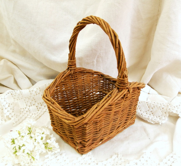 The 256 best images about wicker baskets on pinterest sewing baskets posts and bike baskets - Wicker beehive basket ...