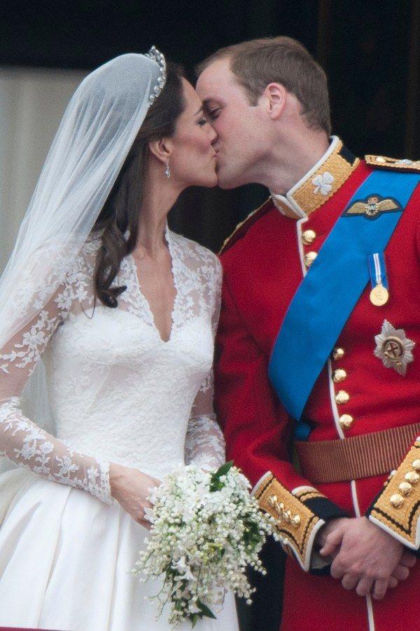 Kate Middleton Prinz William Die Stationen Ihrer Liebe In Bildern Kate Middleton Hochzeit Hochzeit Prinz William Prinzessin Kate