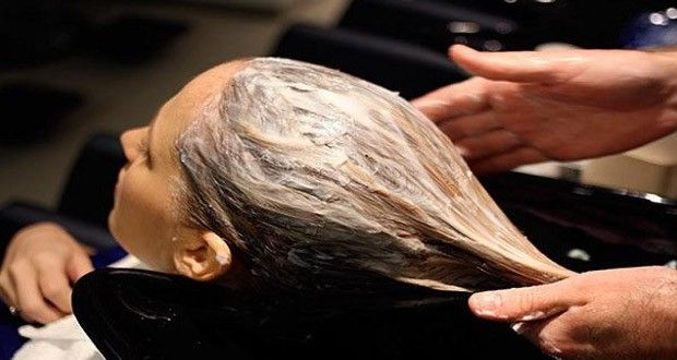 Trois ingrédients pour une recette étonnante pour colorer ou décolorer vos cheveux sans produits chimiques !