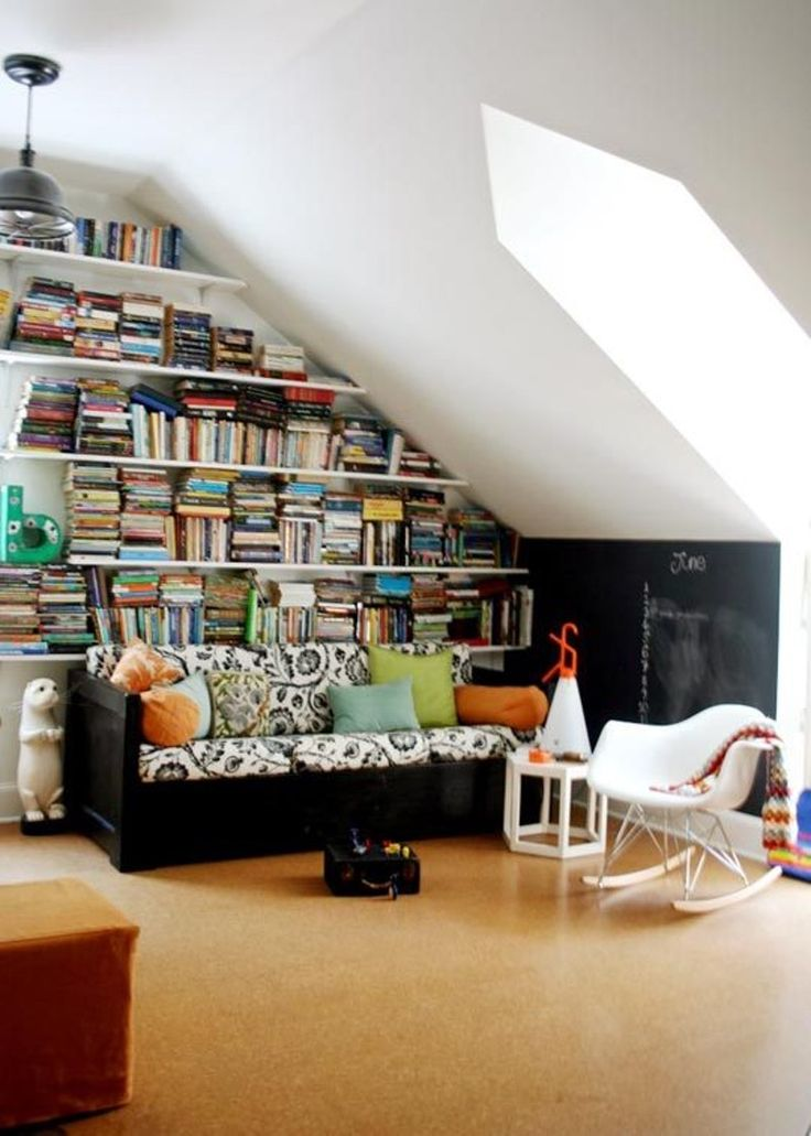 17 best ideas about sloped ceiling on pinterest sloped for Sloped ceiling room ideas