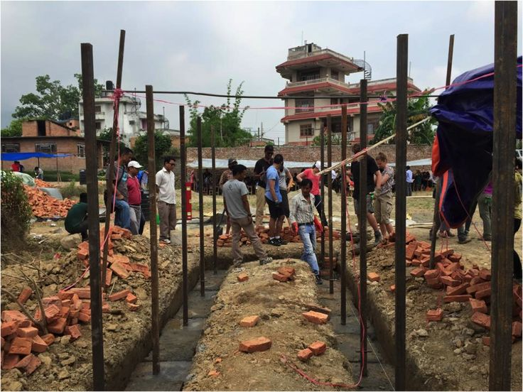 Disaster Relief Project in Nepal // NGO Projects Abroad set up a disaster relief project to provide aid to those affected by the earthquakes that devastated Nepal.  Photo: John Cullen