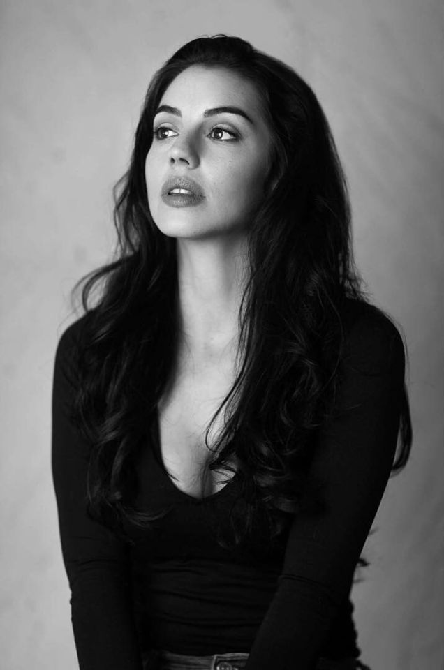 Adelaide Kane. She so beautiful!