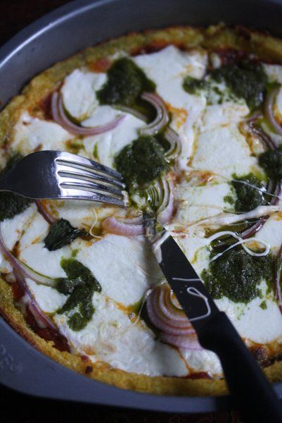 Deep dish polenta pizza with pesto and onions: Deep Dish Pizza, Olive ...