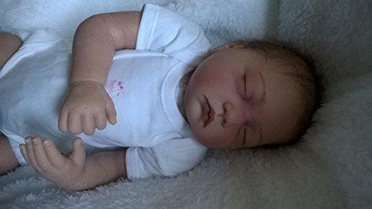 YCN Reborns Lilian Poupée petite fille aux cheveux longs Marron avec tétine magnétique 55,9cm: Amazon.fr: Jeux et Jouets